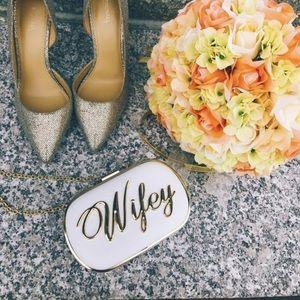 ✨NWT✨ Aldo Wifey White Gold Clutch